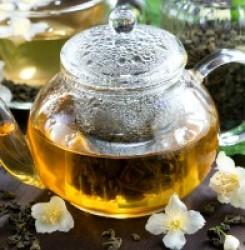 Как зеленый чай влияет на давление – повышает или понижает его?