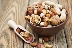 Орехи и холестерин: состав и полезные свойства при холестерине